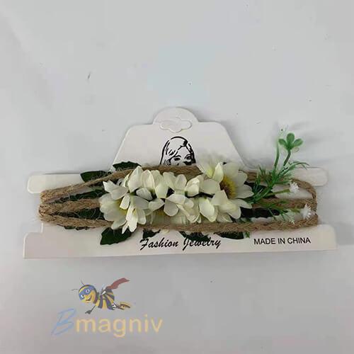חגורת פיית יער פרחים לבנים ועלים ירוקים